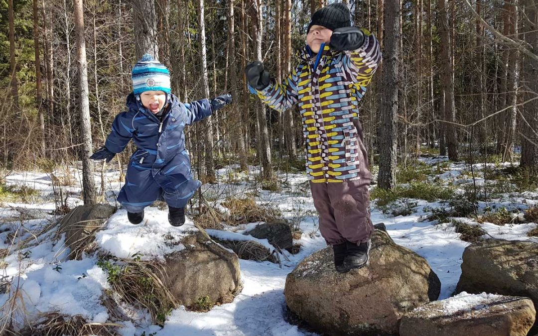 8 vinkkiä lasten luontoyhteyden syventämiseen