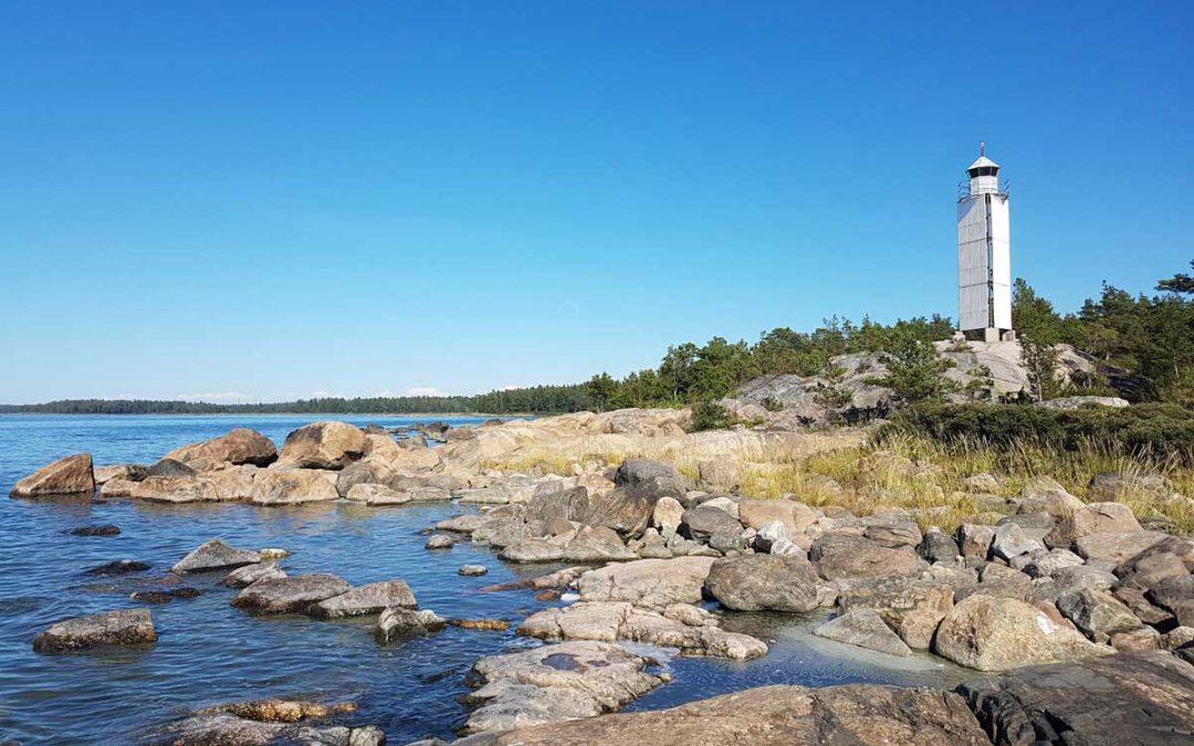 Nurmeksen nokka kauniina kesäpäivänä Nurmeksen saaressa Rauman saaristossa