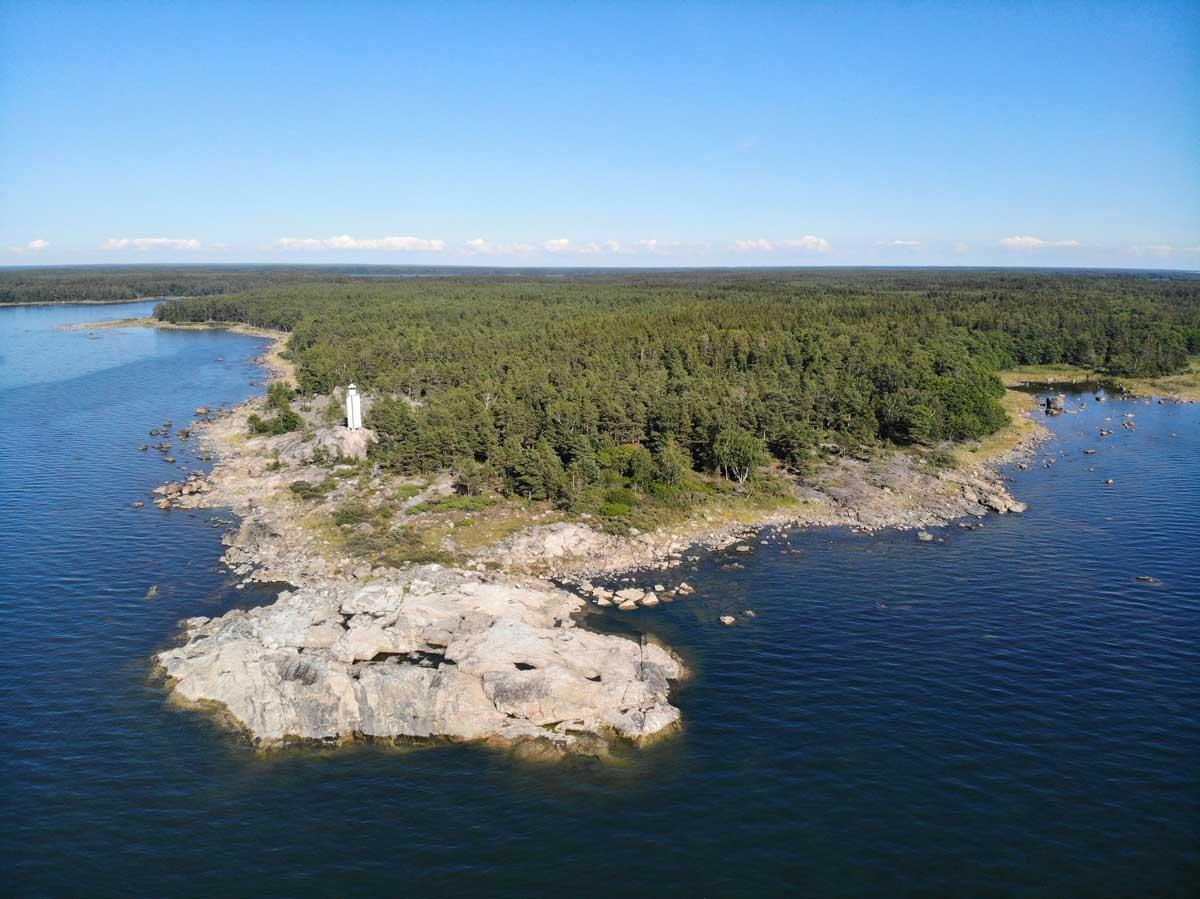 Nurmeksennokka ja vanha fyyri Rauman saaristossa