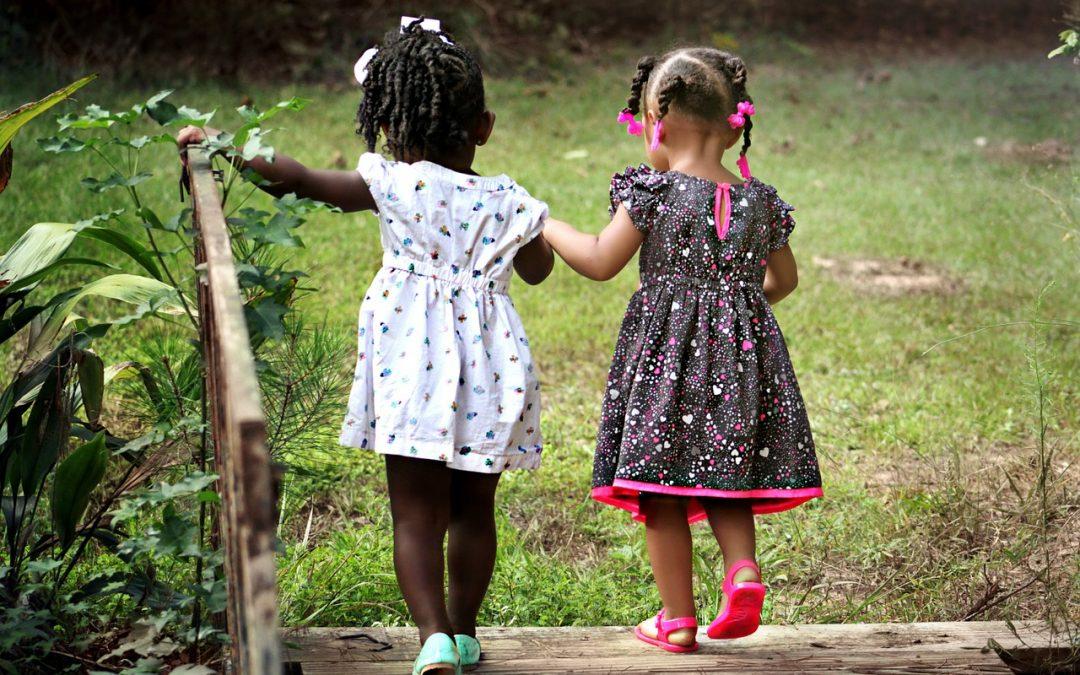 Lasten aistirastit luonnossa
